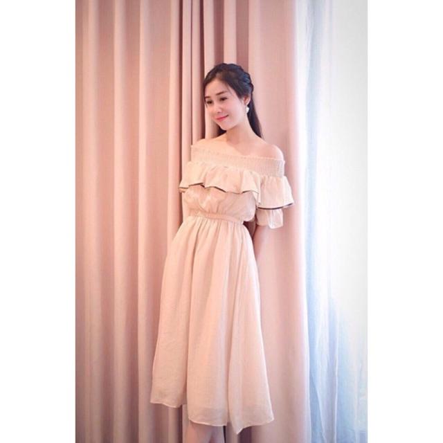 Đầm xoè bẹt vai bèo