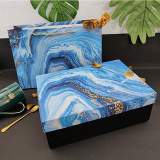 Hộp đựng quà kiểu vân đá kèm túi quai lụa, hộp quà sinh nhật bằng bìa cứng