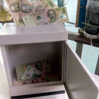 Két sắt mini tiết kiệm tiền có khe nhét tiền tiết kiệm kích thước 12×15×20