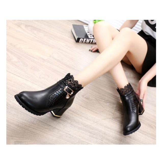 Giày boot ren đế viền vàng 5 phân Hàn Quốc