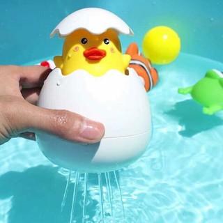 [KM] Đồ chơi quả trứng nở ra chú vịt con (HD)