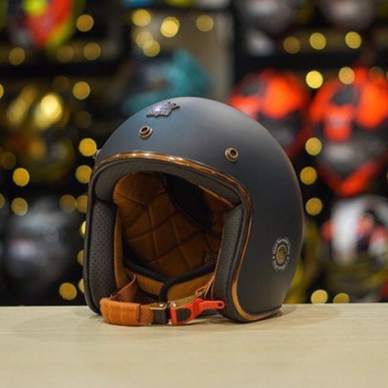 Mũ bảo hiểm 3/4 đầu Royal M 20c tặng kèm túi ba lô đựng mũ