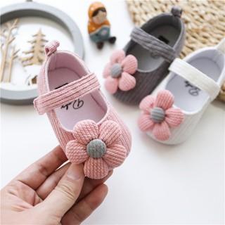 Giày tập đi đính hoa cúc mềm mại cho bé gái – GIÀY HOA CÚC