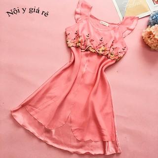 Váy ngủ lụa tay bèo màu hồng đậm thêu hoa trước ngực
