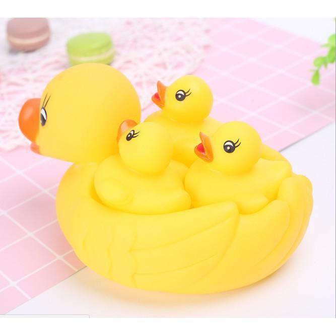 [Trợ giá] Vịt thả bồn tắm phát tiếng 1 mẹ 3 con cho bé_Hàng chất lượng cao