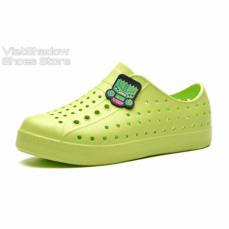 [Tặng 04 sticker] Giày nhựa NATIVE trẻ em - Chất liệu nhựa EVA mềm, nhẹ, không thấm nước - Màu (xanh) lá
