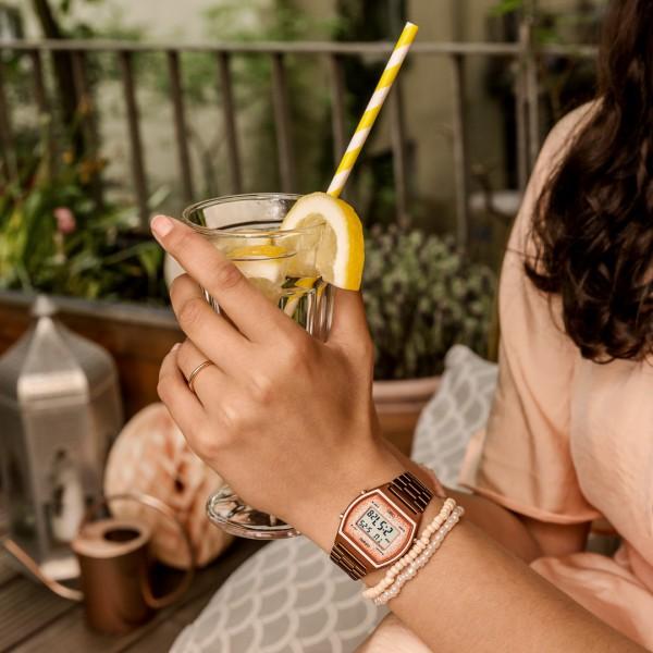 [Mã FARSBR243 giảm 15% đơn 249K] Đồng hồ nữ dây kim loại Casio Standard chính hãng Anh Khuê B640WCG-5DF