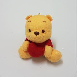 Gấu pooh Winnie the Pooh ôm tim size nhỏ