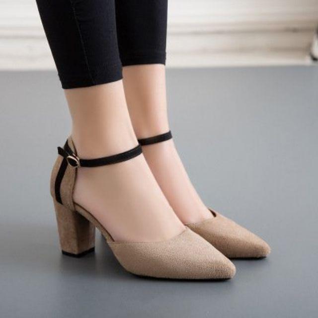 Thumbnail of Giày cao gót 7 phân bít mũi 2 màu đen và nâu be