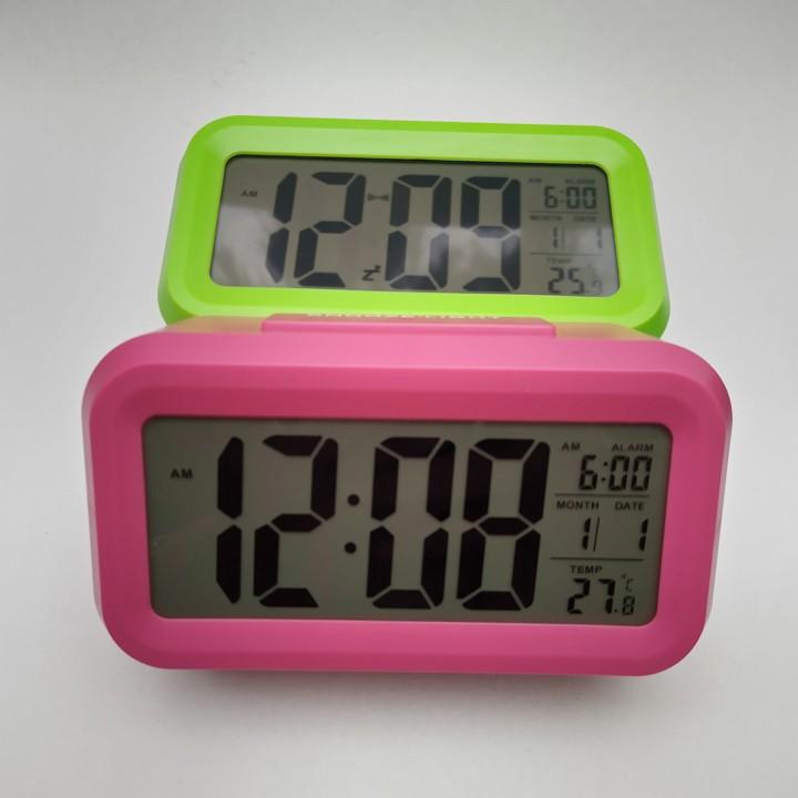 Đồng hồ báo thức có cảm biến hiển thị nhiệt độ môi trường