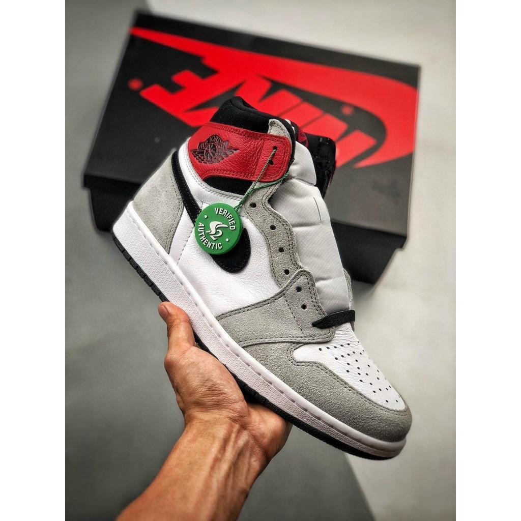 Giày Nam Nike AIR JORDAN 1 RETRO HIGH OG Smoke Grey
