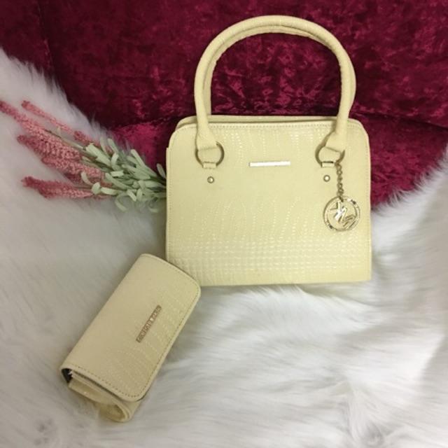 Túi sách và ví đẹp cho quý cô, giá siêu rẻ, hàng xuất khẩu chất lượng cao.