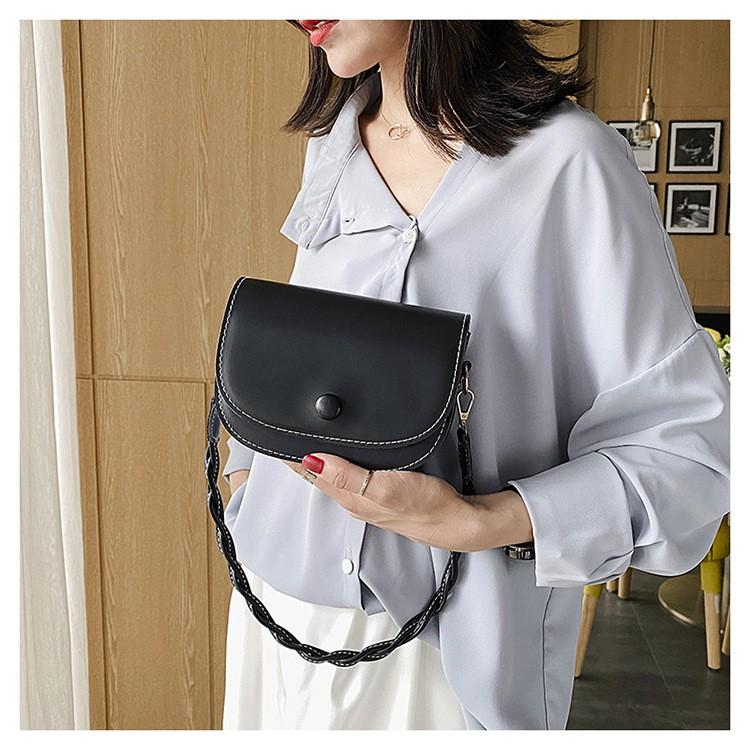 Túi xách nữ hình bầu quai tết da trơn đen trắng chất dày dặn ZBK7885 có đựng vừa điện thoại