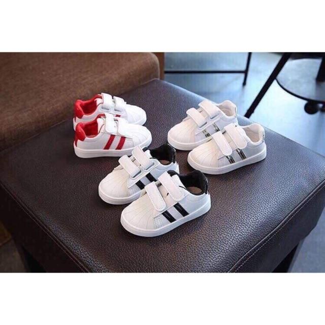 Giày adidas cho bé trai bé gái