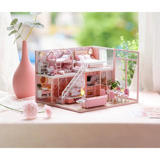 Nhà búp bê gỗ – Biệt thự Meeting Your Sweet màu hồng dễ thương của một gia đình nhỏ