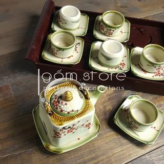 Ấm trà Bát Tràng dáng vuông vẽ tay hoa đào (Không kèm khay ấm chén như hình)