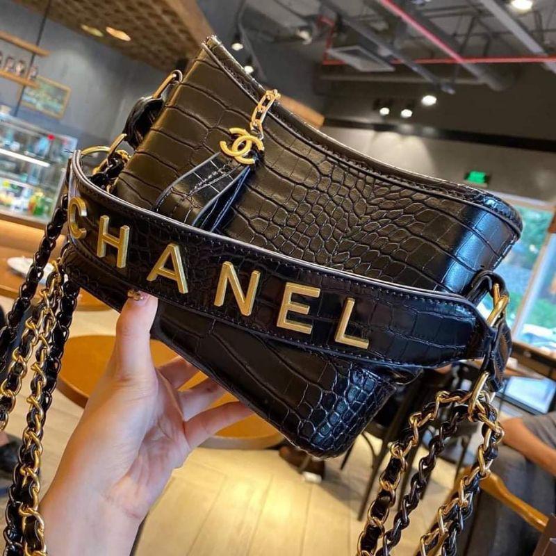 Túi xách nữ Chanel vân da rắn