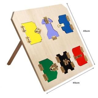 Giáo cụ Montessori – Bảng mở khóa phiên bản quốc tế