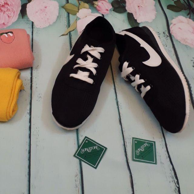 Giày thể thao số 14