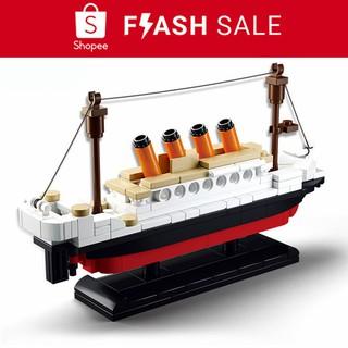 Đồ chơi lego lắp ráp mô hình tàu Titanic 3D làm quà sinh nhật cho bé thumbnail