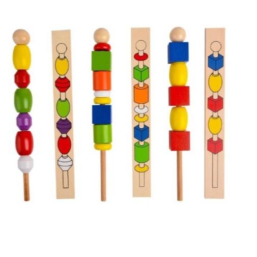 Giáo Cụ Montessori - Luồn Hạt Xiên Que