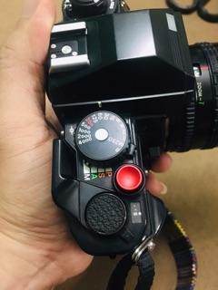 Nút chụp sử dụng cho tất cả máy film và máy số shutter có lổ