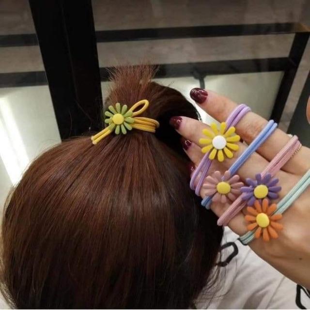 Cột tóc xinh xắn cho bé gái