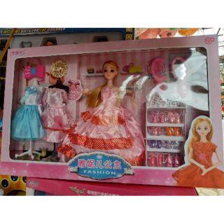 Sản phẩm đồ chơi Búp bê barbie thay quần áo