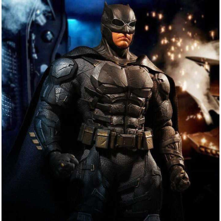Mô hình Batman Tactical Suit Chính hãng Mezco One:12 Collective DC Justice League