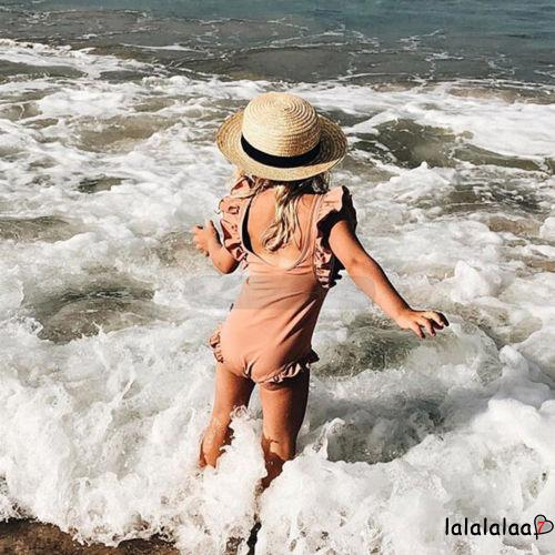 Mặc gì đẹp: Tắm biển vui với Đồ tắm một mảnh nhún bèo xinh xắn dành cho bé gái
