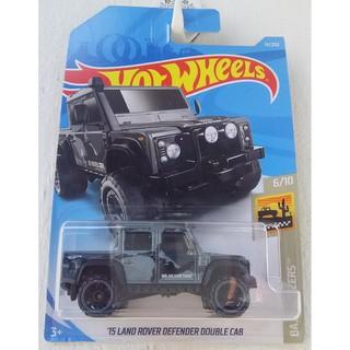 Xe mô hình Hot Wheels '15 Land Rover Defender Double Cab FYB98