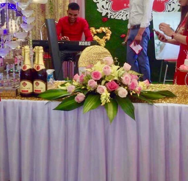 Khay cắm hoa để bàn tổ chức