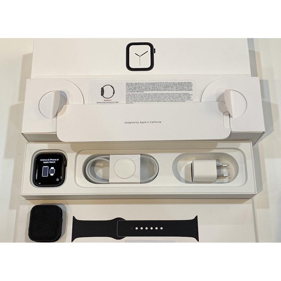 Apple Watch Series 4 // 44 mm (GPS + เซลลูลาร์)
