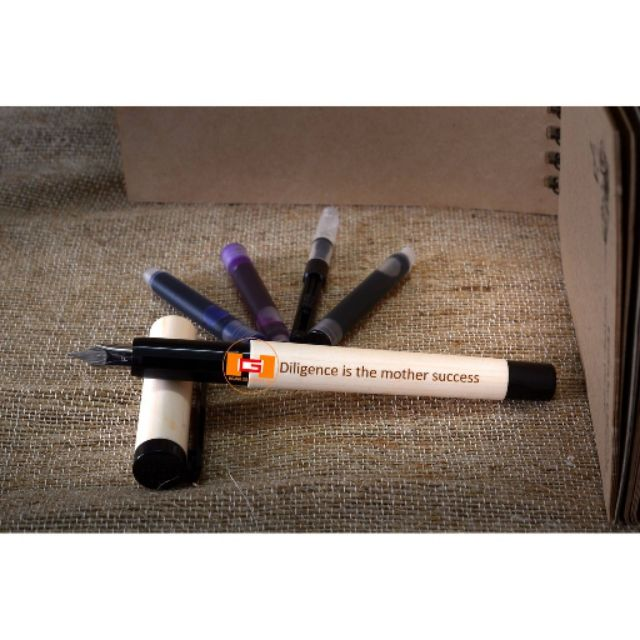 Bút máy Hàn Quốc Big One ngòi trơn, ngòi mài 3 màu mực