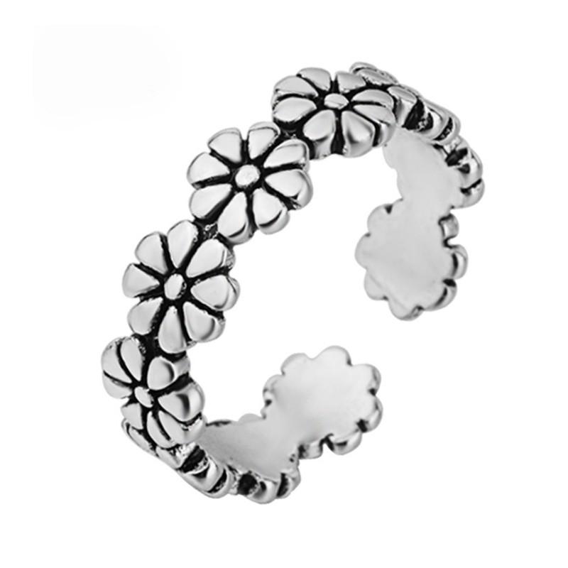 Nhẫn thiết kế vòng hở chạm khắc hình hoa cúc xinh xắn dành cho nữ