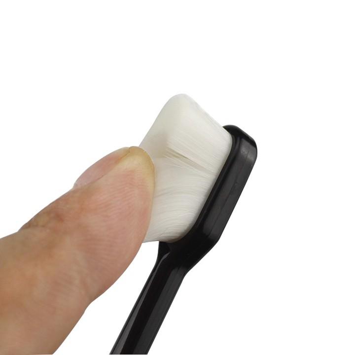Bàn chải đánh răng lông mềm cao cấp (BCM04)