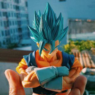 Mô hình Vegito Master Stars Piece Super Saiyan Blue Repainted