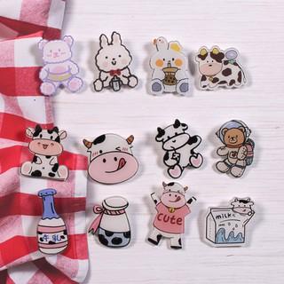 Sticker, phụ kiện, pin cài Balo, áo  bò sữa siêu đáng yêu