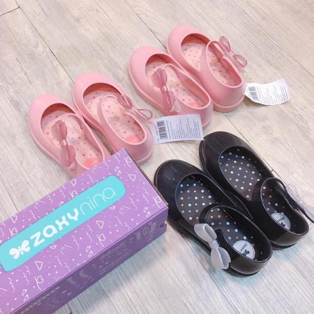 Giày nhựa thơm Zaxy