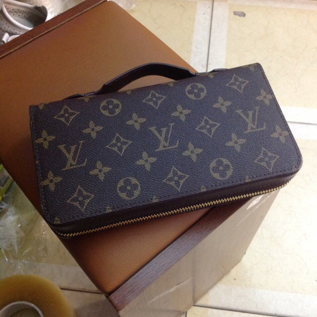 🔥🔥🔥 Ví Nam Cầm Tay Louis Vuitton Da Thậ