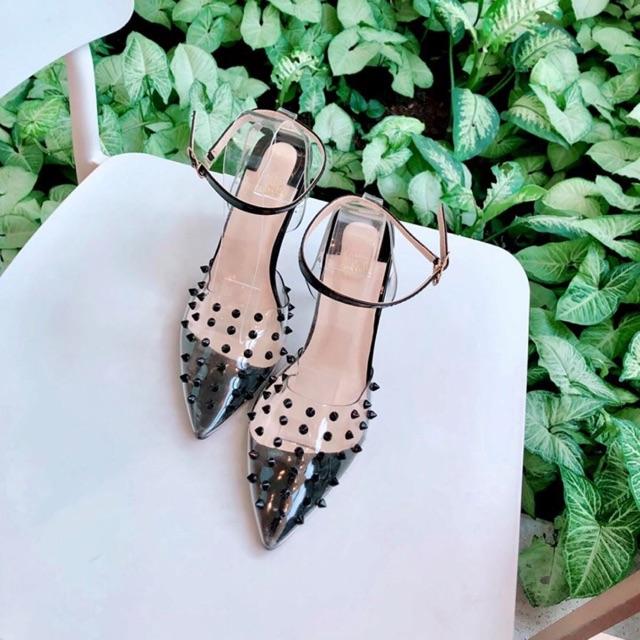 Giày cao gót Bích Phương đinh tán quai trong max hot hàng mới về sale sock tri ấn khách hàng