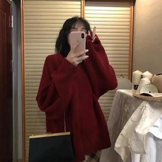 Áo len đỏ dáng rộng