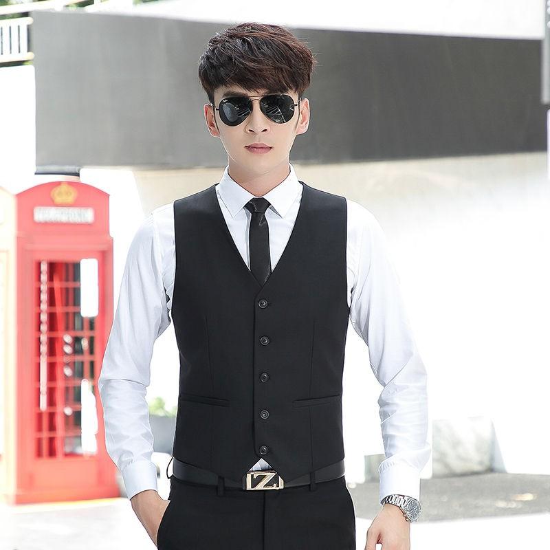 Áo vest mỏng ôm dáng phong cách chuyên nghiệp cho nam dự tiệc 7.20