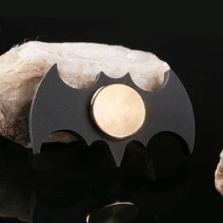 Con Quay Spinner Batman Hình cánh dơi – màu vàng kim loại cực chất (tặng kèm hộp đựng) Giúp giảm căng thẳng