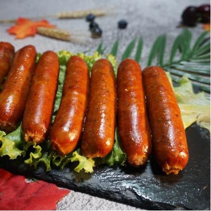 Xúc xích Sfood Keto: Chinh phục mọi khẩu vị, làm bằng thịt bò gié và thịt lợn sạch thái hạt lựu