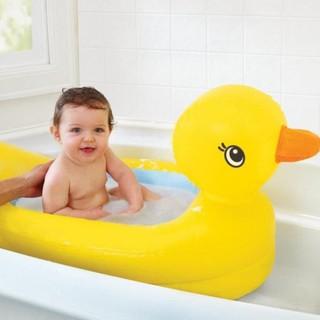 Bể tắm chú vịt cho bé yêu dễ dàng thổi phồng và gấp lại SP001813