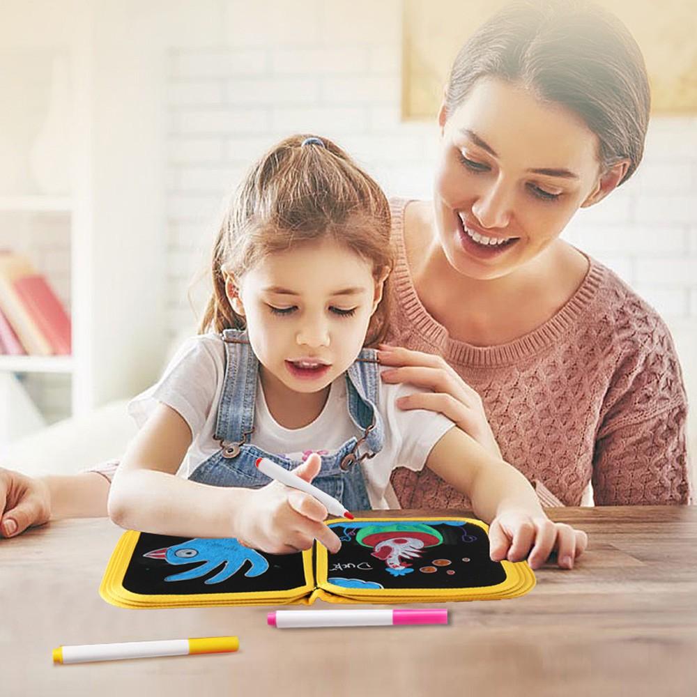 Sách vẽ hình, xóa được, cho bé 3 tuổi trở lên, gồm 16 mặt, 12 bút vẽ, cho bé thỏa sức sáng tạo