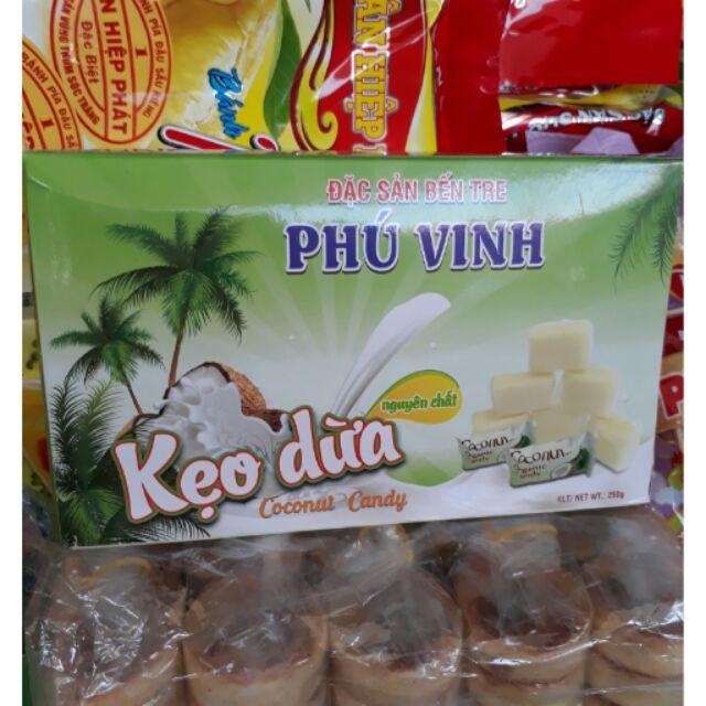 250g Kẹo dừa Phú Vinh - đặc sản Bến Tre coconut candy - 3137390 , 348749173 , 322_348749173 , 40000 , 250g-Keo-dua-Phu-Vinh-dac-san-Ben-Tre-coconut-candy-322_348749173 , shopee.vn , 250g Kẹo dừa Phú Vinh - đặc sản Bến Tre coconut candy