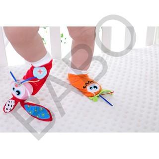 [FollowShop giảm 5%] Vớ Tất đeo chân kích thích phát triển thị giác, lục lạc hình thú dễ thương cho bé