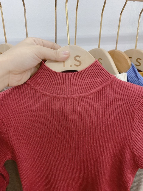 Bán sỉ áo len cổ 3 phân nữ hàng quảng châu đẹp